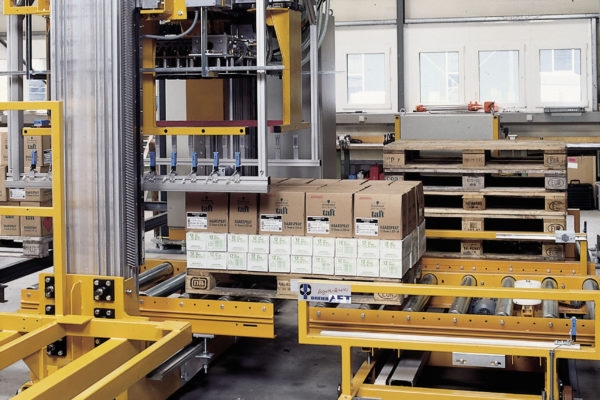 Automated pallet packaging