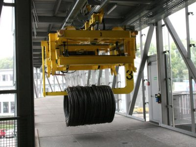 Heavy load electric overhead monorail used for transport of coils made of steel