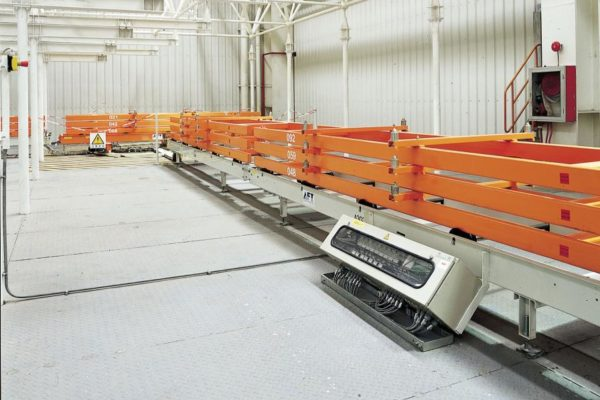 Roller-rail conveyor with buffering